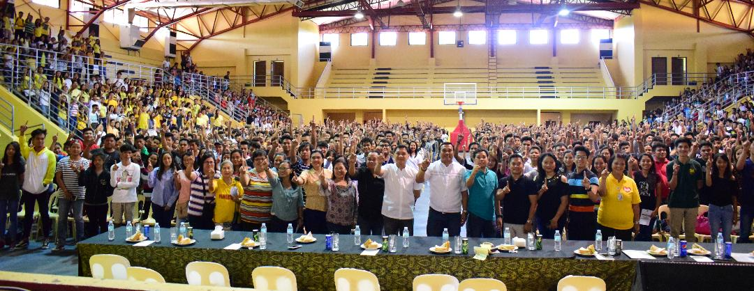 About 1,770 provincial scholars enrolled at the nine campuses of the Pangasinan State Univeristy received a financial grant of Php 10,000 for the whole academic year on May 26, 2018