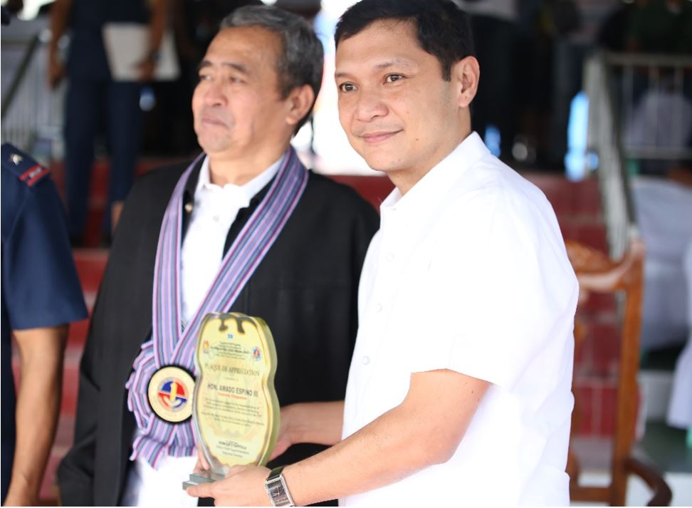 PNP – RO1 AWARDS GOV. ESPINO FOR HIS INVALUABLE SUPPORT