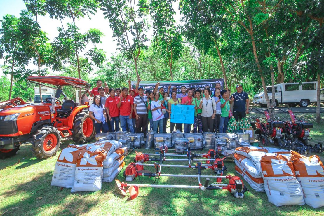 awarding of P14.35M worth of STIPs to 147 farmers' groups