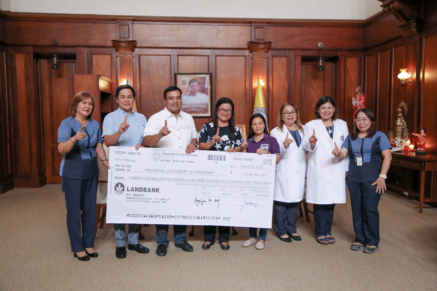 NNC awards P34.4-m worth cheque to Prov'l Gov't for DSp